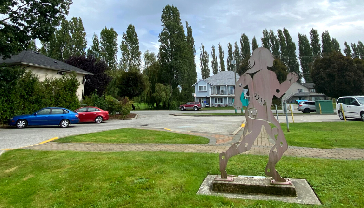 Runner statue outside Musqueam band office